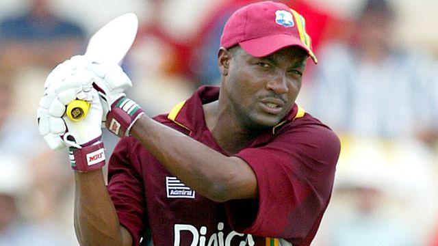 विश्व क्रिकेट के सबसे बेहतरीन बल्लेबाज़ ब्रायन लारा के जन्मदिन पर वीरेंद्र सहवाग ने उन्हें कुछ इस अंदाज़ में दी बधाई, कि नहीं रुकेगी आपकी हंसी