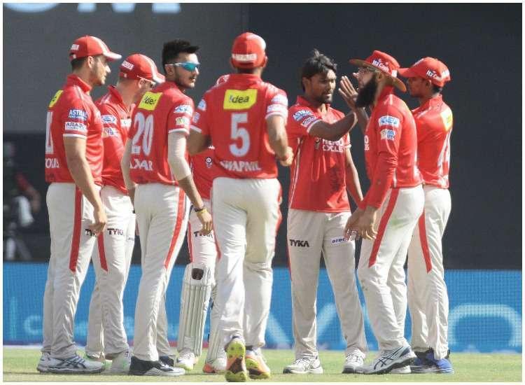 रॉयल चैलेंजर्स बैंगलोर को मात देकर प्ले ऑफ में एक कदम और आगे बढ़ने के लिए किंग्स XI पंजाब की टीम में कई बड़े बदलाव 12