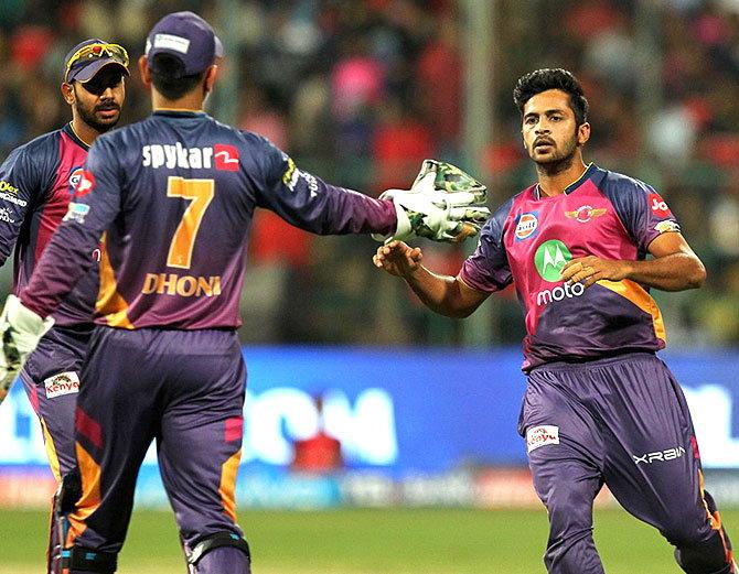लगातार जीत रही पुणे के गेंदबाज शार्दुल ने धोनी, स्मिथ, रहाणे को नहीं इस खिलाड़ी को बताया सबसे खास 15