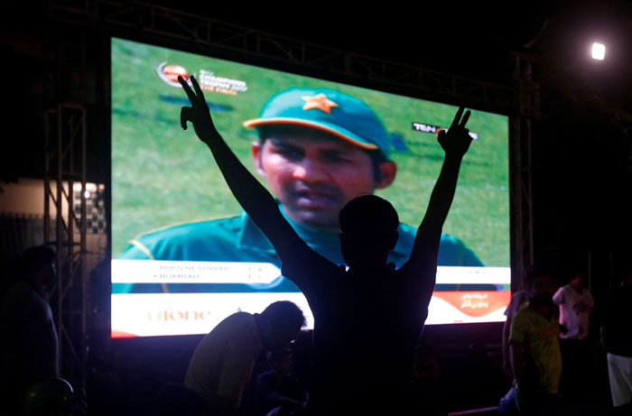 पाकिस्तान की टीम को चीयर करने वाले शख्स को नहीं मिल रहा कोई वकील, सभी भारतीय एडवोकेट ने किया केस लड़ने से इंकार 3