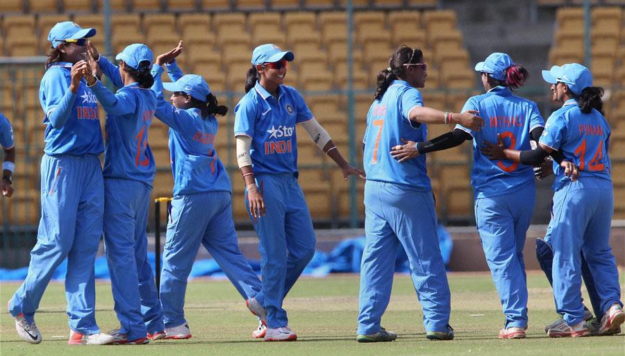 बीसीसीआई ने आईसीसी विश्वकप से पहले उठाया सराहनीय कदम भारतीय महिला खिलाड़ियों का बढ़ा वेतन