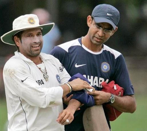 इतिहास के पन्नो से: जब ऑस्ट्रेलिया से हार चुका था भारत, लेकिन सचिन ने की ऐसी गेंदबाजी कि 10 ओवर में ही दिला दिया भारत को जीत 3