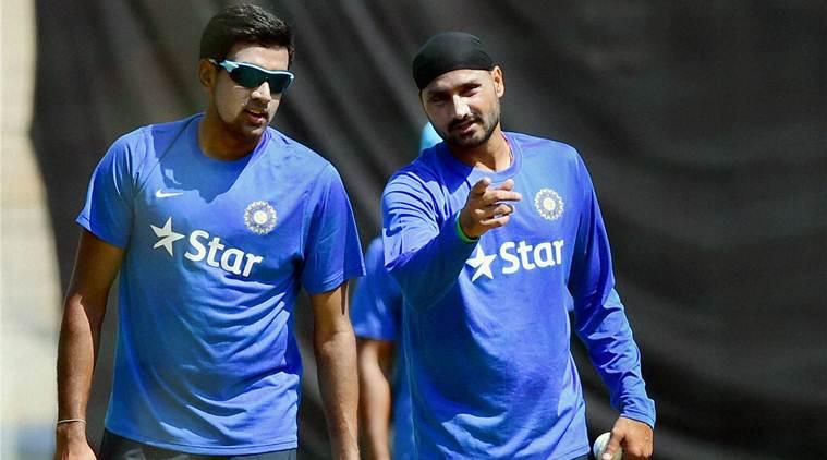 भारतीय टीम के पाकिस्तान के खिलाफ शर्मनाक हार के बाद हरभजन सिंह ने इस भारतीय खिलाड़ी को टीम से बाहर करने की किया माँग 5