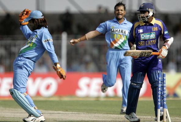 पूर्व श्रीलंकाई खिलाड़ी महेला जयवर्धने ने ट्वीटर पर पूर्व भारतीय कप्तान महेंद्र सिंह धोनी का बनाया मजाक 7