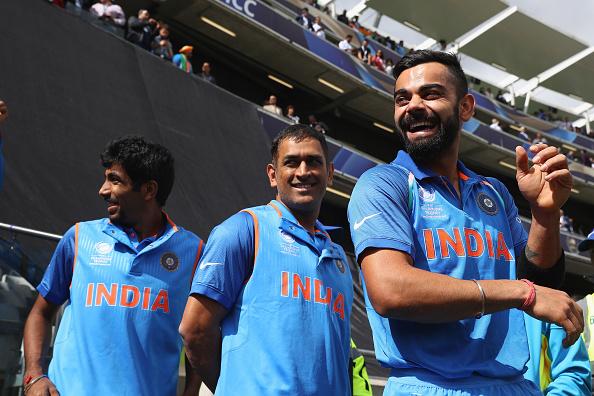 पाकिस्तान के खिलाफ मैच के दौरान विराट कोहली नहीं बल्कि महेंद्र सिंह धोनी ने की कप्तानी 7