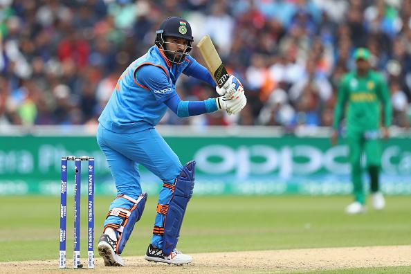 युवराज की बल्लेबाजी के बाद सहवाग ने किया विवादास्पद ट्वीट, किया अपशब्दों का प्रयोग 1