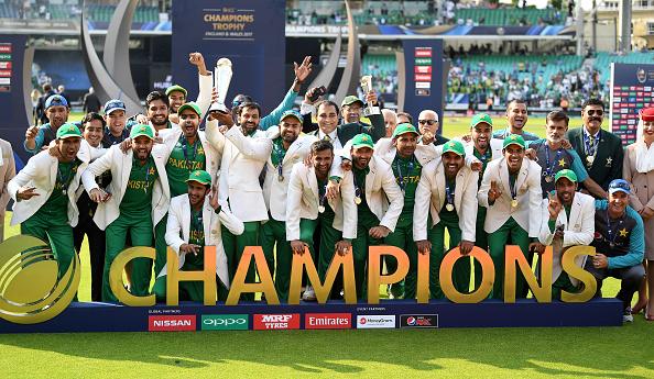पाकिस्तानी खिलाड़ियों को एक- एक आलीशान घर देने की घोषणा करने वाले रियाज मलिक पर यूनिस खान ने इस कारण उतारा अपना गुस्सा 3