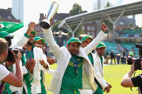 चैंपियंस ट्राफी में भारतीय खिलाड़ियों ने दिखाया खेल भावना, लेकिन पाकिस्तान पहुँच भारत का मजाक बनाया सरफराज 4
