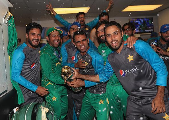 चैंपियंस ट्रॉफी जीतना पाकिस्तान के खिलाड़ियों को पड़ा महँगा, नहीं मिला ईद पर मनपसन्द खाना, वजह काफी दिलचस्प है 3