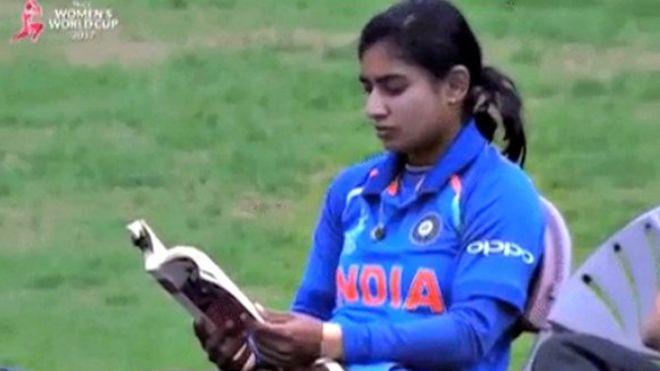 ट्विटर अकाउंट वेरीफाई होने के बाद इस तरह जश्न मनाती हुई नज़र आई टीम इंडिया की कप्तान मिताली राज 2