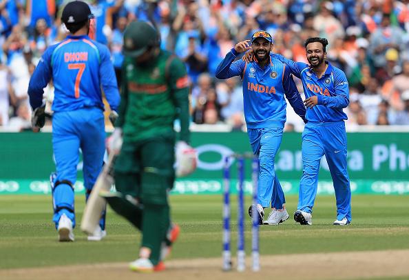 सेमीफाइनल में शानदार गेंदबाजी करने के बाद केदार जाधव ने कोहली नहीं इस भारतीय खिलाड़ी को दिया बेहतर गेंदबाजी का श्रेय 2