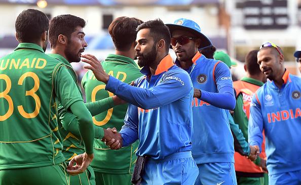 चैंपियंस ट्राफी में भारतीय खिलाड़ियों ने दिखाया खेल भावना, लेकिन पाकिस्तान पहुँच भारत का मजाक बनाया सरफराज 2