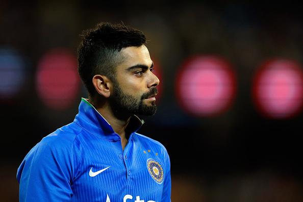 धोनी-सचिन सबको पीछे छोड़ सबसे ज्यादा कमाई करने वाले क्रिकेटर बने कोहली, सिर्फ 1 साल में कमाए इतने करोड़ रूपये 2