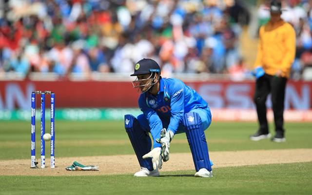 महेंद्र सिंह धोनी ने एक दिन पहले ही तोड़ा था गिलक्रिस्ट का रिकॉर्ड, अब गिलक्रिस्ट ने अपने रिकॉर्ड के टूटने पर धोनी को कही ये बात 3