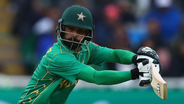 आईसीसी के द्वारा गेंदबाजी से प्रतिबंधित किए गए मोहम्मद हफिज को वसीम अकरम ने दी ये खास सलाह 5
