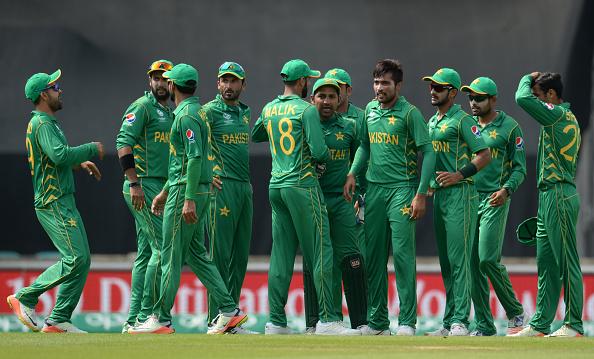पाकिस्तानी खिलाड़ियों को एक- एक आलीशान घर देने की घोषणा करने वाले रियाज मलिक पर यूनिस खान ने इस कारण उतारा अपना गुस्सा 2