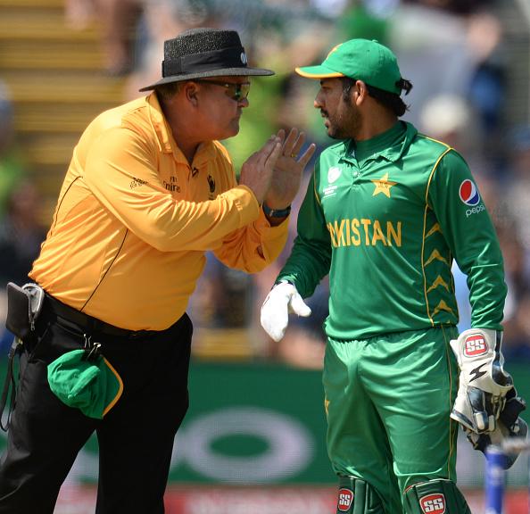 धोनी और कोहली के नहीं बल्कि इस स्टार भारतीय खिलाड़ी के आउट होने पर सबसे ज्यादा खुश हुए थे पाकिस्तानी कप्तान सरफराज 3