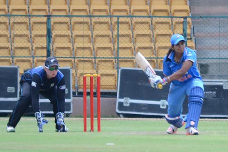 बीसीसीआई ने आईसीसी विश्वकप से पहले उठाया सराहनीय कदम भारतीय महिला खिलाड़ियों का बढ़ा वेतन 4