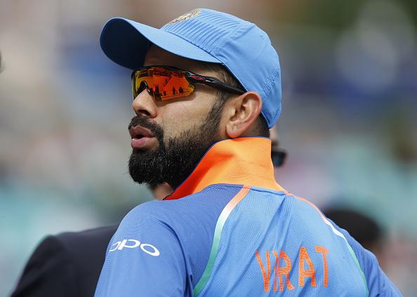 धोनी-सचिन सबको पीछे छोड़ सबसे ज्यादा कमाई करने वाले क्रिकेटर बने कोहली, सिर्फ 1 साल में कमाए इतने करोड़ रूपये 1