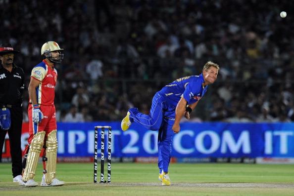 IPL 11 के लिए जयपुर पहुंचे शेन वार्न, फैंस ने एयरपोर्ट पर किया कुछ ऐसा कि हक्के भक्के रह गये वार्न 4