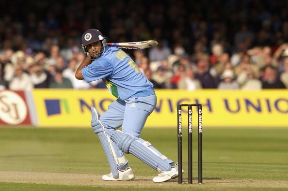 युवराज सिंह के अलावा ये 4 खिलाड़ी भी लगा चुके है 1 ओवर मर 6 छक्के, 1 भारतीय भी सूची में शामिल 13