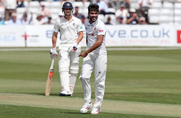 एसेक्स में मोहम्मद आमिर ने डाली इस साल की सर्वश्रेष्ठ गेंद, गेंद का टर्न देख आप भी रह जायेंगे हैरान 3