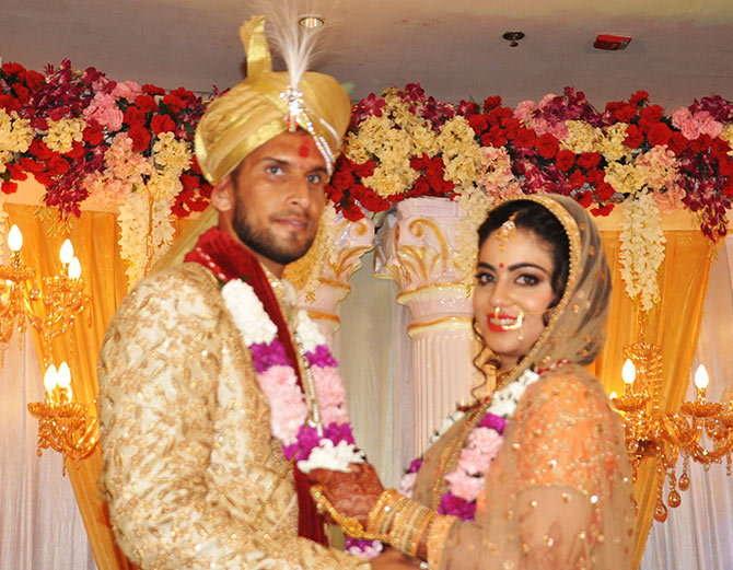 भारतीय टीम के इस स्टार तेज गेंदबाज़ ने ज़हीर खान से पहले लिए शादी के सात फेरे 1
