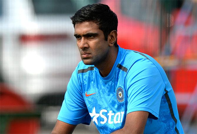 श्रीलंका के खिलाफ गाले टेस्ट में उतरते ही अश्विन हासिल कर लेंगे ये खास उपलब्धि, दी विरोधी बल्लेबाजो को चेतावनी 5