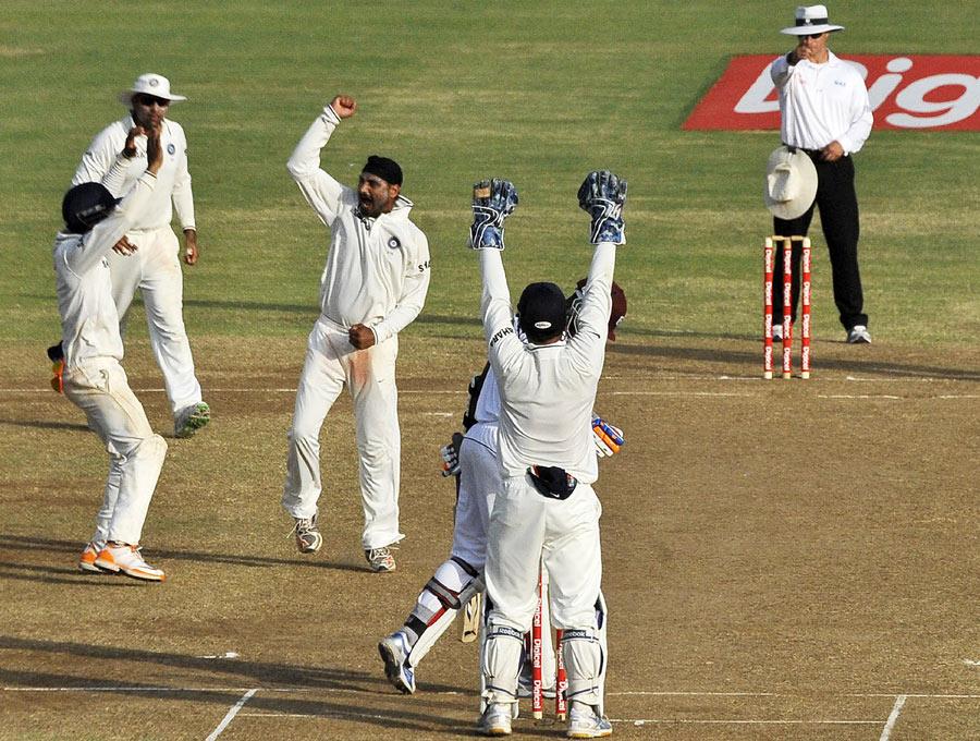 5 ऐसे मौके जब भारतीय गेंदबाजो के सामने बेबस नजर आई श्रीलंका की बल्लेबाजी 3
