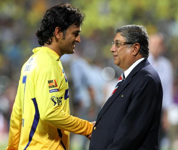राइजिंग पुणे सुपर जायन्ट्स को छोड़ अब अगले साल इस आईपीएल टीम से खेलते नजर आयेंगे महेंद्र सिंह धोनी 17