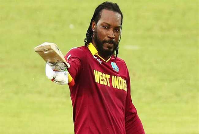 भारत-वेस्टइंडीज मुकाबले से पहले टी 20 टीम में हुई सुरेश रैना की वापसी, ये दिग्गज खिलाड़ी हुआ बाहर! 3