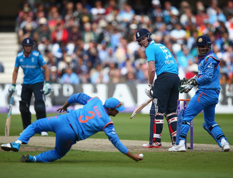 भारत के फील्डिंग कोच श्रीधर ने विराट कोहली और सुरेश रैना नहीं बल्कि इस भारतीय खिलाड़ी को दुनिया का सबसे बेहतरीन फिल्डर 15
