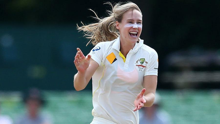 इन महिला क्रिकेटरों की खूबसूरती का नहीं है कोई जवाब, बॉलीवुड की एक्ट्रेस भी हैं इनकी सुंदरता के आगे फेल 4