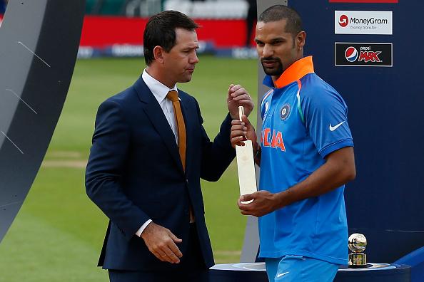 वापसी के बाद बल्ले से धमाल मचाने के बाद परिवार संग डिजनी लैंड पहुँचा यह दिग्गज भारतीय खिलाड़ी 13