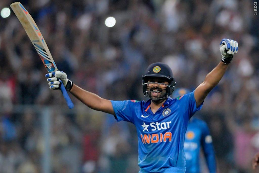 धोनी या कोहली ने नहीं बल्कि इस भारतीय खिलाड़ी  ने की थी रोहित शर्मा को 264 रन बनाने में मदद, अब है टीम से बाहर 1