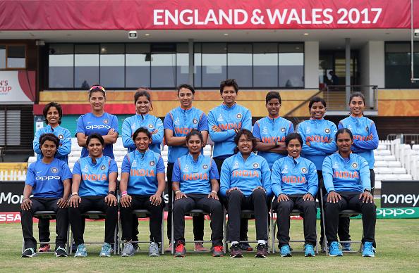 महिला विश्वकप फाइनल: भारतीय टीम की कप्तान के हाथ में दिखी उनकी सबसे प्यारी चीज.. मानती हैं सबसे लकी, जीत पक्की 3