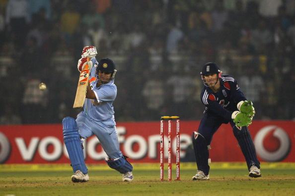 SAvIND: सुरेश रैना की वापसी से टीम इंडिया के मिडल ऑर्डर पर पड़ सकता हैं फर्क, आंकड़े देख हैरान रह जाएगे आप 7