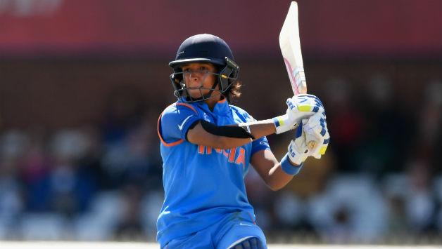 भारतीय महिला क्रिकेट टीम की उप-कप्तान हरमनप्रीत कौर ने अपने प्रशंसको को किया निराश, अब शुरू हुई हरमन को लेकर राजनीति 3