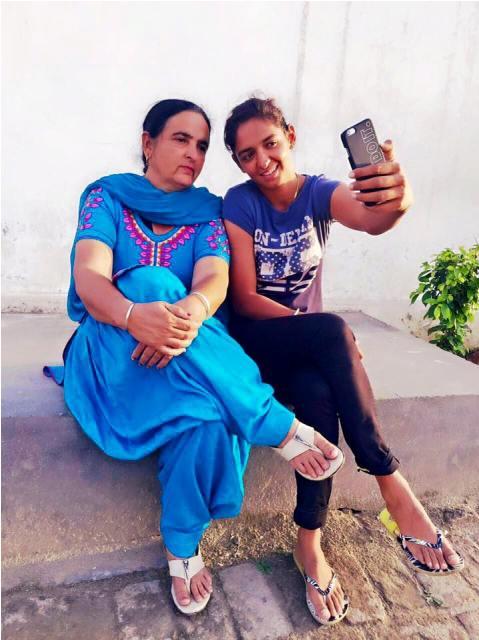 सचिन, कोहली और धोनी नहीं बल्कि हर्षा भोगले को हरमनप्रीत कौर में दिखती है इस दिग्गज खिलाड़ी की झलक 5