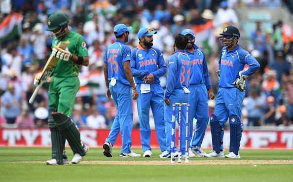 भारतीय महिला टीम ने दिया पाकिस्तान को मात लेकिन इस बार अर्शी खान ने फिर किया बेशर्मी पार और महिलाओ पर किया आपत्तिजनक टिप्पणी 3
