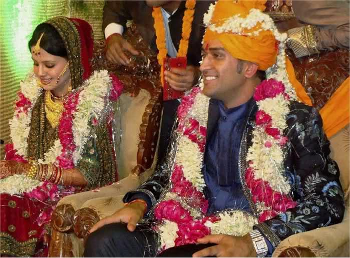 धोनी और साक्षी की शादी की सालगिरह पर मोहम्मद कैफ ने इस तरह खास अंदाज़ में दी बधाई 4