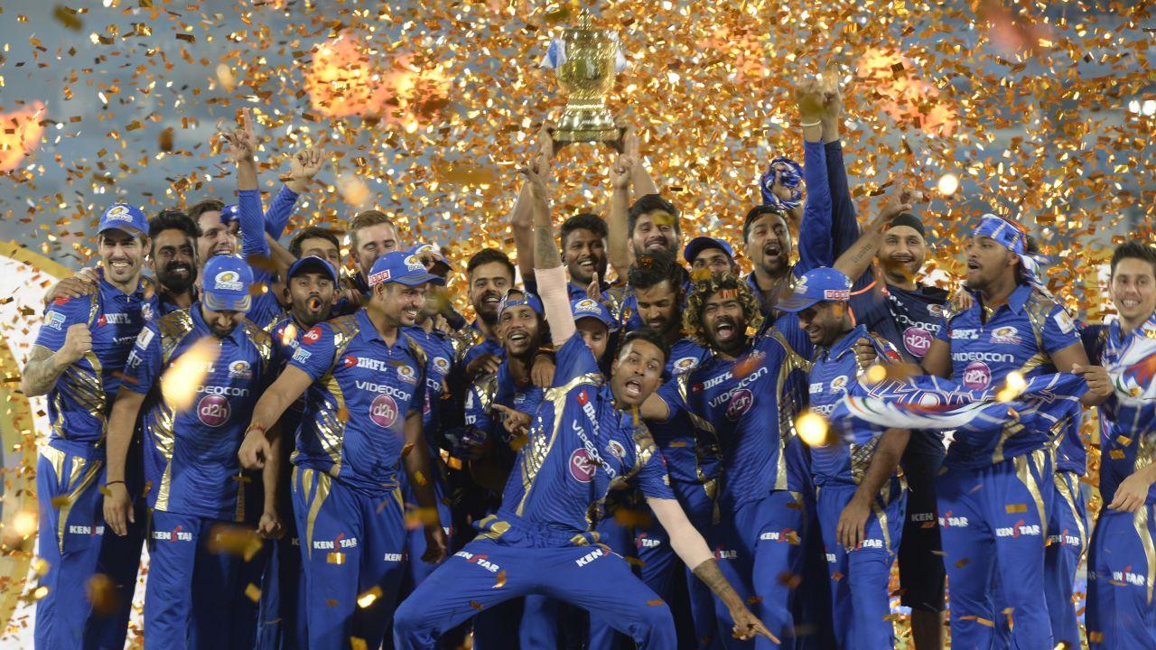 आईपीएल-11 के लिए मुंबई इंडियंस ने लिया हैरान करने वाला फैसला, अपने सबसे स्टार गेंदबाज़ को रिलीज करने का लिए निर्णय 12