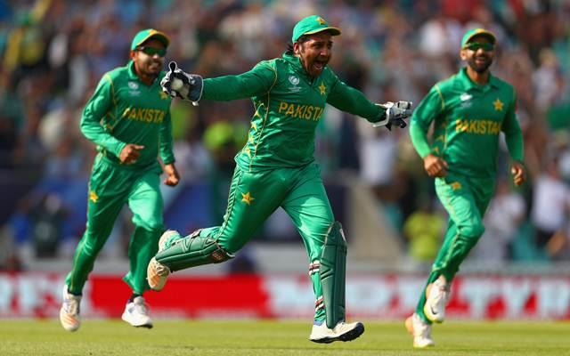धोनी और कोहली के नहीं बल्कि इस स्टार भारतीय खिलाड़ी के आउट होने पर सबसे ज्यादा खुश हुए थे पाकिस्तानी कप्तान सरफराज 4