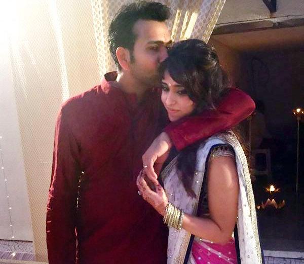 वायरल फोटो : भारतीय टीम का यह दिग्गज खिलाड़ी क्रिकेट से दूर पत्नी के साथ कुछ ऐसे बिता रहा है अकेले में छुट्टियाँ 1