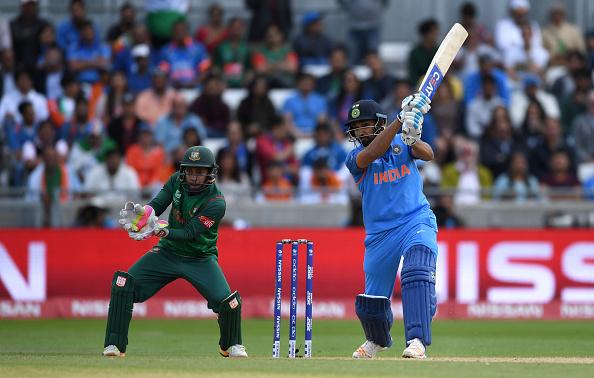 वायरल फोटो : भारतीय टीम का यह दिग्गज खिलाड़ी क्रिकेट से दूर पत्नी के साथ कुछ ऐसे बिता रहा है अकेले में छुट्टियाँ 2
