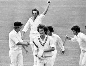 इन 10 गेंदबाजो के नाम है टेस्ट मैच की एक पारी में सबसे ज्यादा रन लुटाने का शर्मनाक रिकॉर्ड, 3 भारतीयो का नाम भी हैं शामिल 4