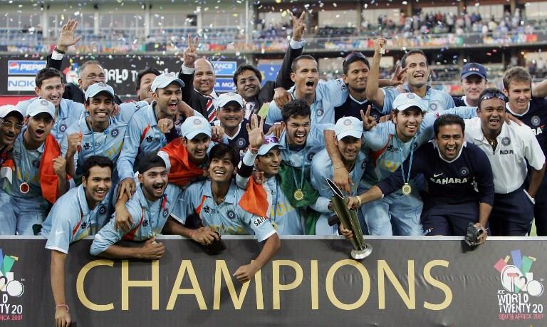 वीरेंद्र सहवाग और शास्त्री नहीं बल्कि इस दिग्गज को मिल सकती है कोच पद की जिम्मेदारी, भारत को दिलाया था टी-20 विश्वकप 3