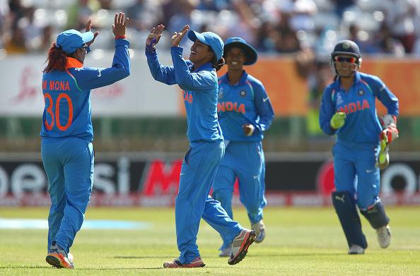 भारतीय महिला टीम ने दिया पाकिस्तान को मात लेकिन इस बार अर्शी खान ने फिर किया बेशर्मी पार और महिलाओ पर किया आपत्तिजनक टिप्पणी 16