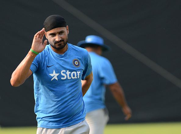 सहवाग ने ट्विट कर अपने अंदाज में टीम इण्डिया के टर्बनेटर हरभजन सिंह को दी जन्मदिन की शुभकामनाएं 1