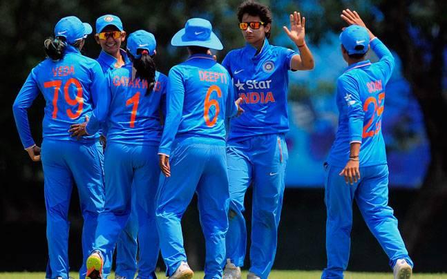वीडियो: 2011 में सचिन ने दिलाया था भारत को विश्वकप और अब 23 जुलाई को अर्जुन तेंदुलकर दिलायेंगे विश्वकप, भारतीय महिला टीम के साथ कर रहे जी तोड़ मेहनत 1